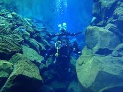 Diving Silfra 14