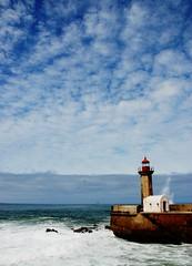 Oporto, lighthouse (MikyAgo) Tags: ocean trip lighthouse portugal faro nikon porto viaggio oporto oceano portogallo 2014 d80 ltravel mikyago