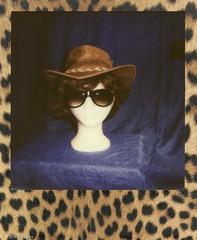 ..eigentlich bin ich auf dem Weg nach Australien...-) # Polaroid_Impossible_Color600_Skins_Edition - Impulse600AF - 16-5-2014 (irisisopen f/8light) Tags: camera color film analog polaroid skins 600 land af edition impossible impuls