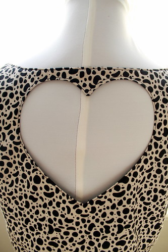 open_heart_dress_detail