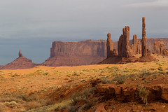 Monument Valley (Michael Juvet) Tags: monument ut valley