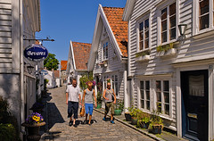 Gamle Stavanger Norway (yvind Andersen) Tags: norway museum stavanger norge nikon gate sommer unesco gata d200 vei hus 2012 arkitektur sumer rogaland noreg trehus brostein blhimmel gamlestavanger bevares