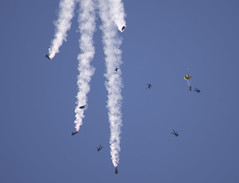 Formation Break (dcnelson1898) Tags: marinecorpsairstationmiramar marinecorps marines sandiego california mcasmiramar 2016mcasmiramarairshow airshow airplanes jets helicopters goldenknightsparachuteteam usarmy usnavy freefall skydive