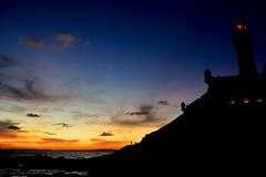 Entardecer no Farol da Barra (marcusviniciusdelimaoliveira) Tags: praia mar ondas entardecer hesperus farol faroldabarra salvador bahia baiadetodosossantos nuvem nuvens cores reflexo