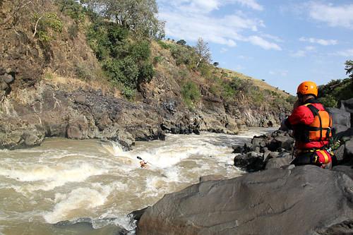 CHARLA: DESCENSO DEL NILO AZUL EN ETIOPÍA