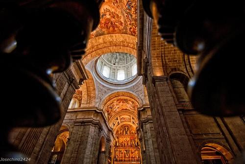Detras de la verja!!QDD En Madrid. Monasterio Del Escorial.
