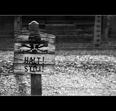 Halt (Dave_Davies) Tags: camp sign electric warning fence death skull concentration nazis poland prison auschwitz genocide crossbones