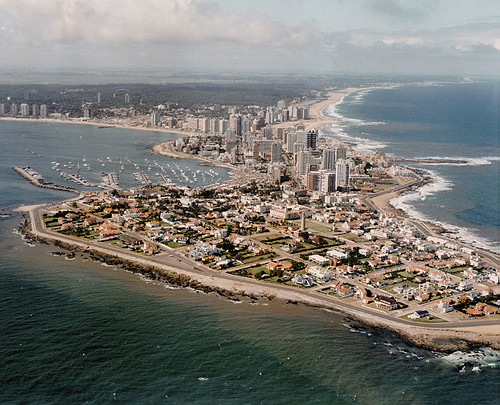 "Punta del este vista aerea | <a href=""http://www.flickr.com/photos/59207482@N07/5862674001"">View at Flickr</a>"