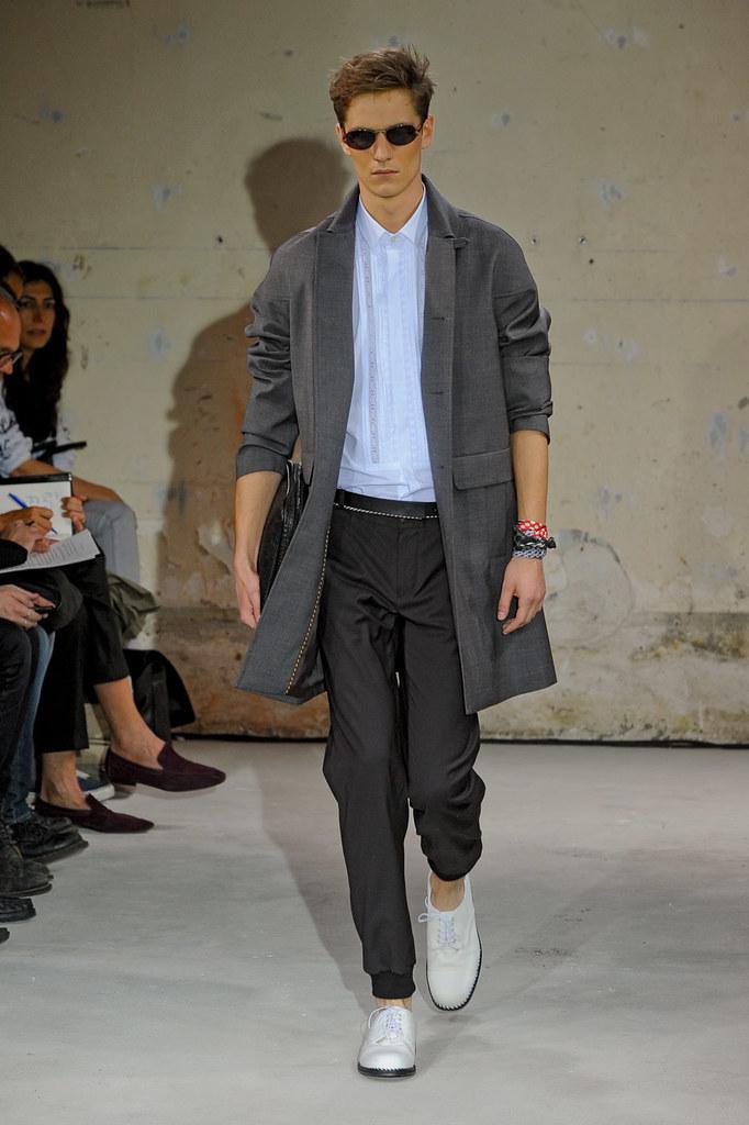 SS12 Paris Christian Lacroix003_Peter Bruder(Homme Model)