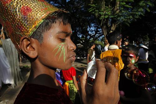 Bolle di sapone durante la Parata di Panjim