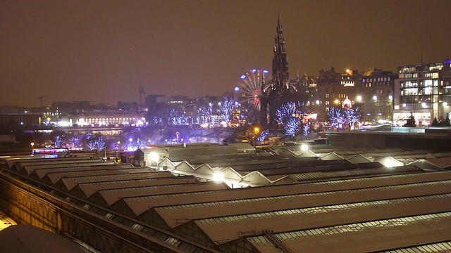 snowy Edinburgh from North Bridge 01