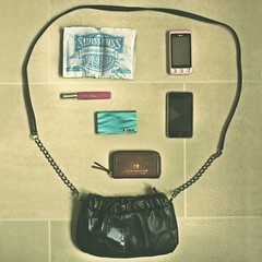 What is in her bag ? November 2010 (donchris!) Tags: project bag is sac her purse what 12 bolsa borsa 2010 tasche torba