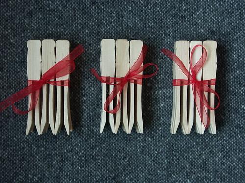 Clothes-peg bundles