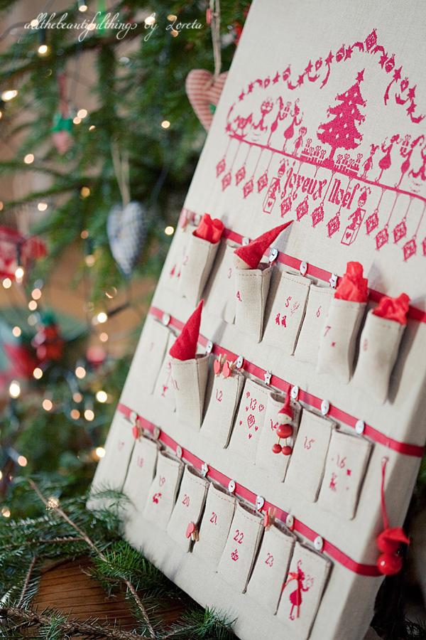 Advent Calendar - Le Joyeux Noėl des lutins (Petits Points)