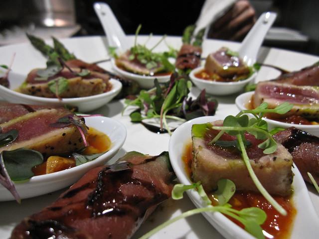 Seared tuna appetizers