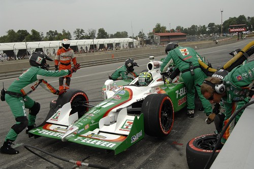 Andretti Autosport #11 crew at Mid-Ohio