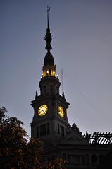 Campanadas del Palacio (juannypg) Tags: argentina luces ciudad rosario reloj nocturnas cúpula palaciofuentes