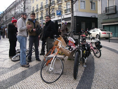 Cicloficina no Largo de Camões