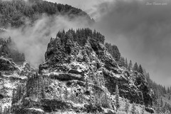 Moody weather.  Columbia River Gorge B+W (Steve Flowers) Tags: winter bw oregon snowstorm hdr columbiarivergorge nikond90