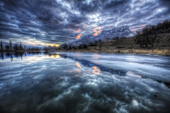 Relfets de glace {EXPLORED} (Girolamo's HDR photos) Tags: winter light sunset sky lake france ice nature clouds canon reflections french landscape photography savoie hdr girolamo photomatix tonemapping canoneos50d lacsaintandr cracchiolo omalorig wwwomalorigcom gettyimagesfranceq1