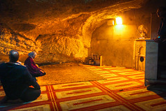 Praying under the Sakhrah / Foundation Stone (modenadude) Tags: private israel palestine muslim islam small jerusalem prayer domeoftherock tiny area cave templemount mihrab namaz foundationstone salaat noblesanctuary sakhrah
