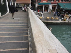 walking rialto bridge
