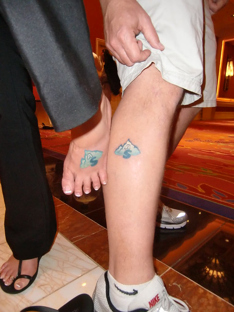 Missy Ward and Shawn Collins get Affiliate Summit tattoos