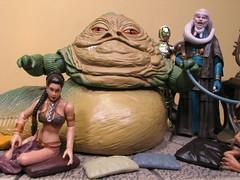 Jabba's Throne with other figures (FranMoff) Tags: toys starwars princess bib actionfigures fortuna throne leia c3po hasbro dais slaveleia organa