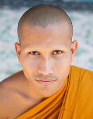 Monk Portrait/Portrait de Moine (Tim.D Photography) Tags: portrait color pagoda eyes asia cambodge cambodia outdoor monk yeux asie siemreap couleur regard pagode moine exterieur colorphotoaward