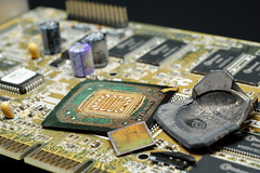 NVIDIA@220nm@Fixed-pipline@NV10@GeForce_256@T5A3202220008_S1_Taiwan_A___DSC01376 (FritzchensFritz) Tags: macro makro supermakro focusstacking fokusstacking focus stacking fokus stackshot stackrail nvidia geforce 256 nv10 220nm fixed pipeline die shot gpu ceramic keramik gpupackage package processor prozessor cpudie dieshots dieshot waferdie wafer wafershot vintage open cracked lenstagger