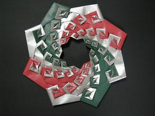 Spiral wreath (quilt opus XXIX)