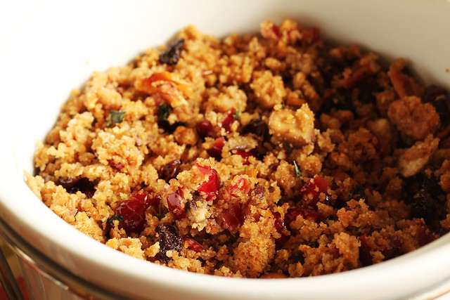 Vegan Cranberry and Pecan Stuffing #veggieangie