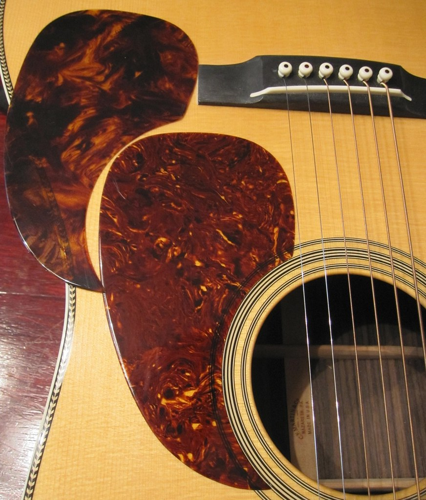 Pics of Axiom pickguard material vs Greven - The Acoustic