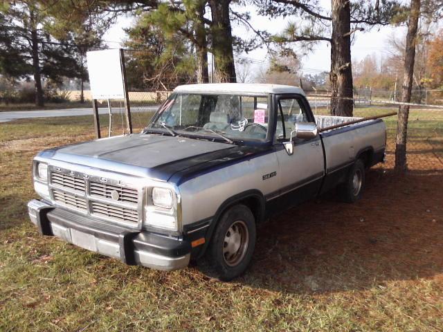 truck pickup dodge ram v8 318 d150 318v8