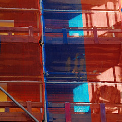 colours at work (montel7) Tags: blue red impalcatura scaffolding rosso creattivit