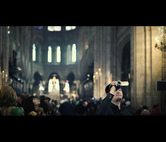 eye of the beholder (millan p. rible) Tags: cinema paris france canon movie still candid stranger notredame cinematic eyeofthebeholder canonef50mmf14usm canoneos5dmarkii 5d2