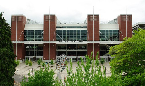 800px-Reser_Stadium_entrance