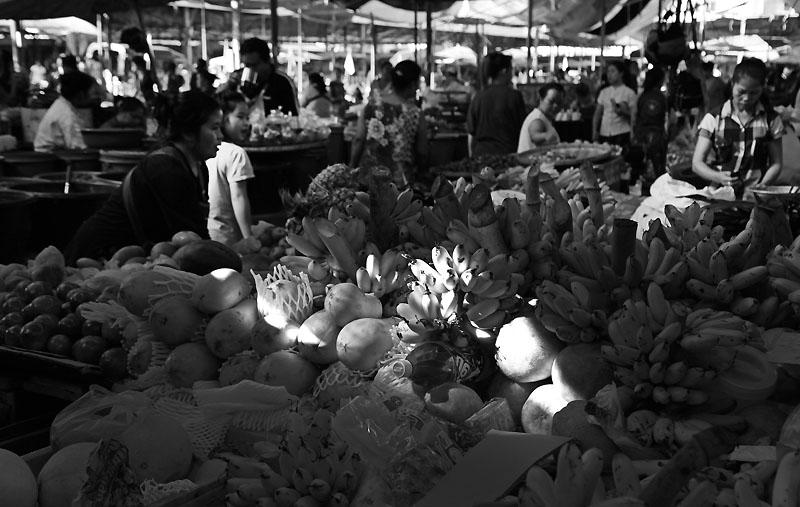 VTE Market BnW IMG_0446-w