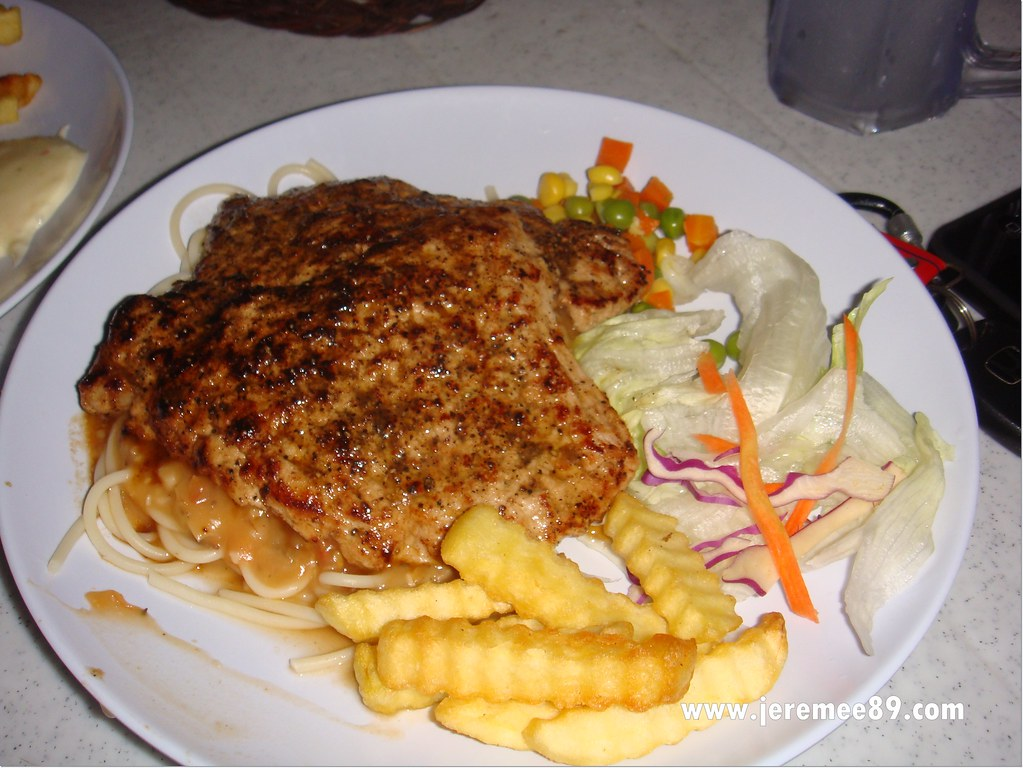 Yaw's Roast & Grill - Grilled Pork Spagetti