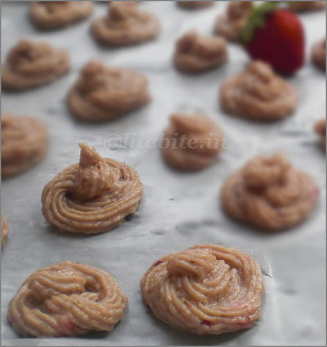 Eggless Strwberry Drop Cookies