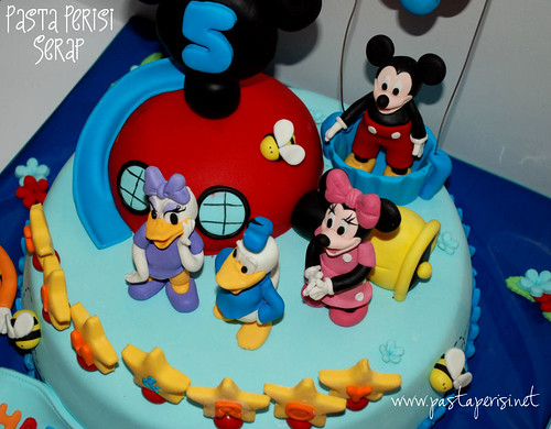 Mickey mouse clup house cakess