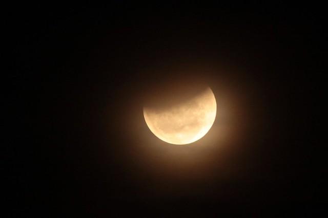 2010-12-21 Moon 100