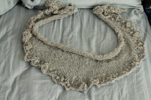 Annis shawlette