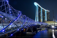 Helix Bridge & Marina Bay Sands by sherwin_tan