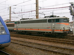 (manfre'graff) Tags: station train bordeaux railway db bahn beton sncf 9300 bb9300