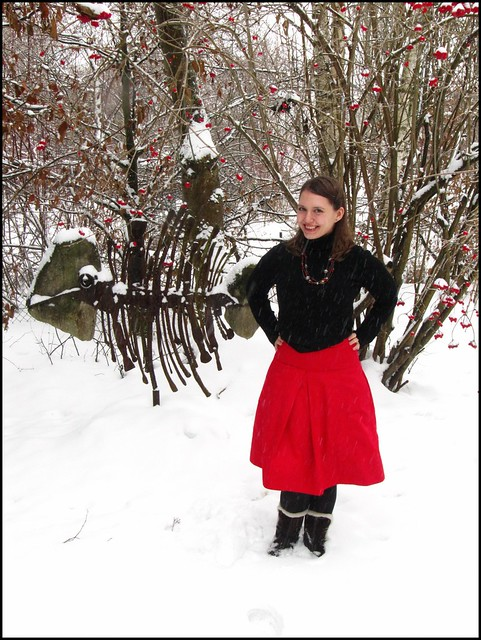 Christmas eve; fashion, clothes, style, outfit, thrift, thrifted, blogger, blog, creative, colour, color, charity shop, quirky, individual, red, black, zara, 1950s, beads, bow, festive, snow