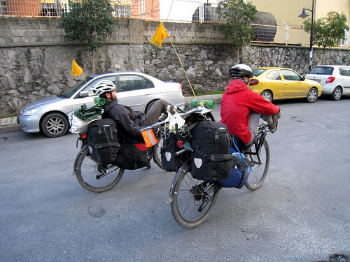 Istanbul cycle tourists - Jan