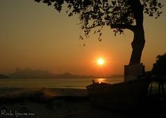 Sunset in Paradise - Eva Beach - Niteroi - Rio de Janeiro (.**rickipanema**.) Tags: brazil praia rio brasil riodejaneiro mar cristoredentor corcovado sugarloaf casal podeaucar niteroi rickipanema brazil2014 brasil2014 nikoncoolpixp80 rio2016 thestatueofthechristofredeemer praiasdeadoeeva praiadaeva