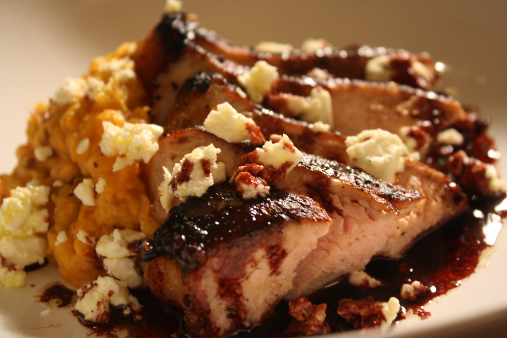 """Smoked pork chop with red wine béarnaise and goat feta"""