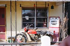 Marfa Home (weech0) Tags: nikon fuji desert superia tx westtexas 800 marfa ftn photomic